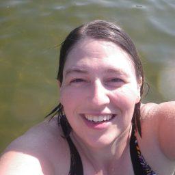 Anna Anderson profile photo swimming